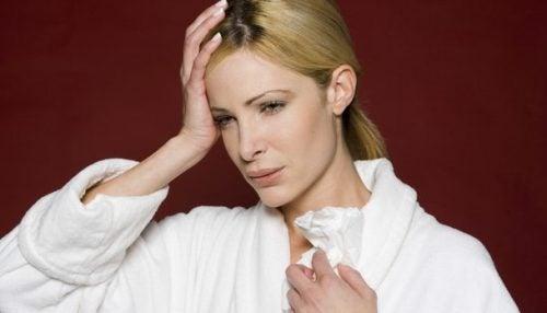 睡眠中に起こる夜間頭痛の原因は?