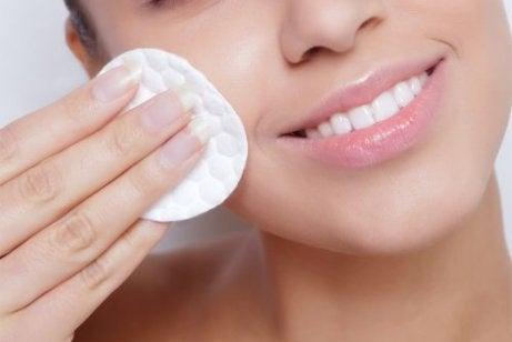 肌のうるおいを保つための4つのヒント