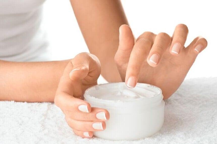 爪の水分補給