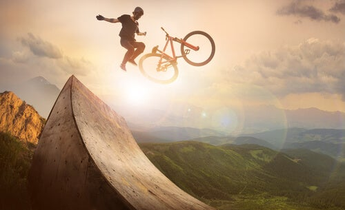 バイクジャンプ