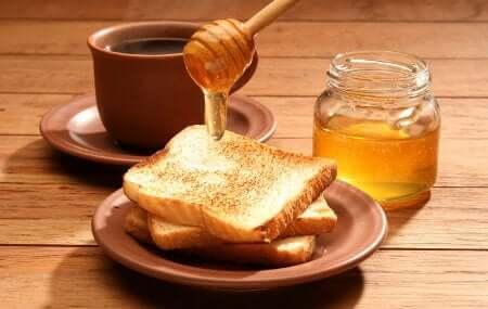ハチミツとトースト