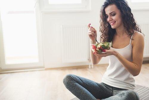 正しい食事方法を学ぶ