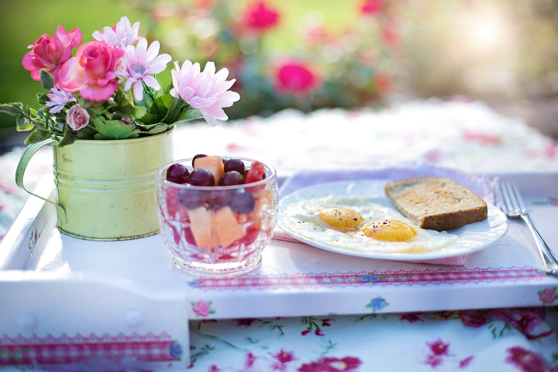 朝食を食べましょう