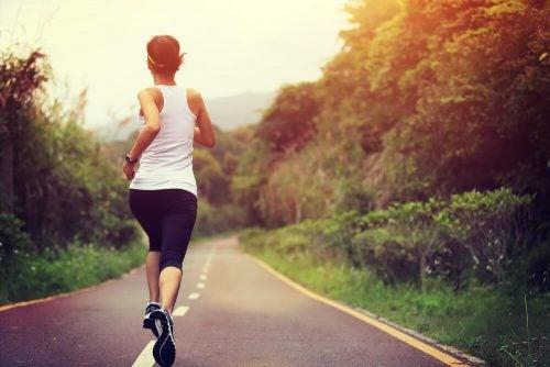甲状腺機能低下症を改善:運動
