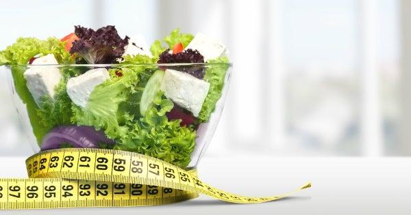 サラダと巻き尺