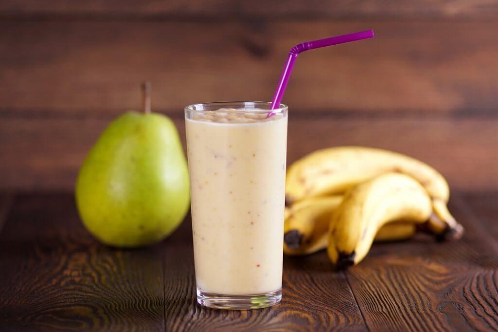 バナナと洋梨ジュース