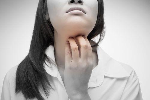 喉のかゆみを抑える4つの自然療法