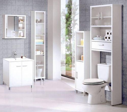 白い家具のトイレ