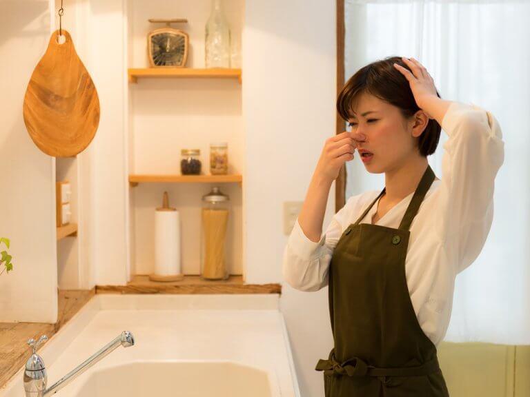 キッチンの悪臭を取り除く10の方法