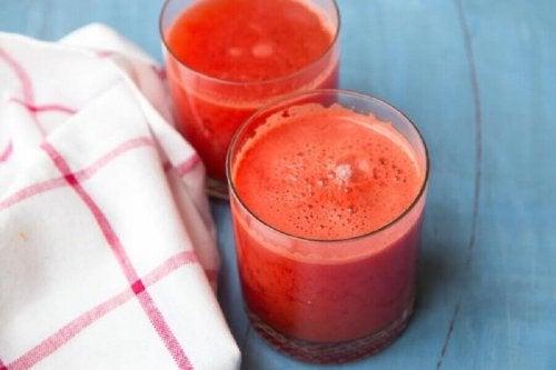 貧血 の症状を改善するジュース