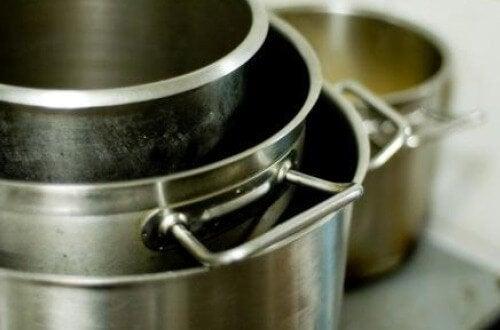 鍋やフライパン