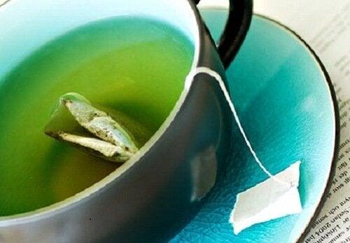減量に高い効果を発揮する緑茶の飲み方3選