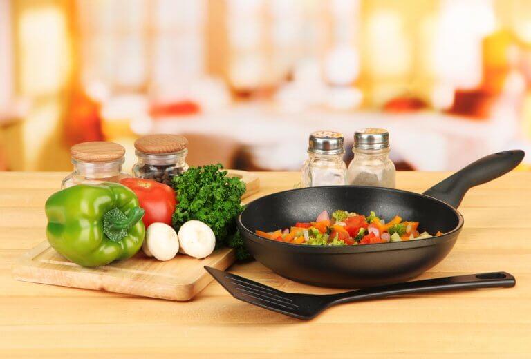 野菜を調理する