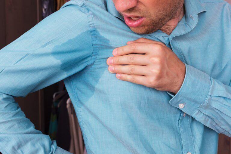 服についた汗のシミを取る方法5選