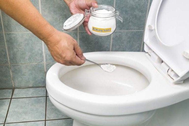 重曹を便器の掃除に使用