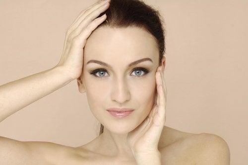 乾燥肌を緩和する自然でシンプルな方法