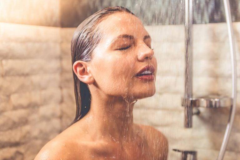 午前中に浴びる冷たいシャワーで得られる7つの効果