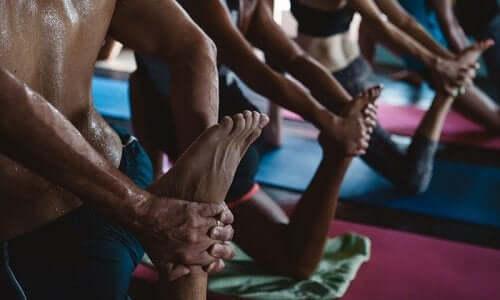 10分で全身の筋肉をトレーニングできる5つのチベット体操