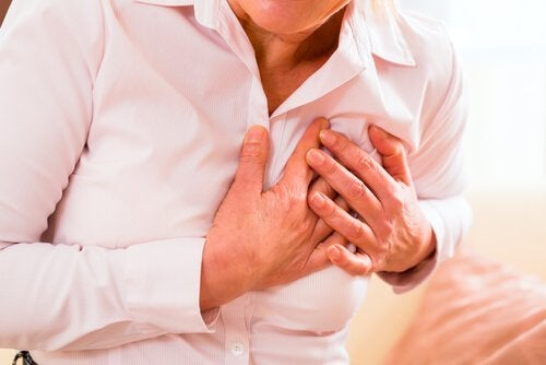 女性の心臓発作