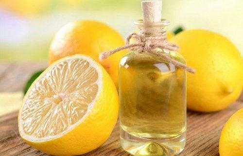 レモンと瓶