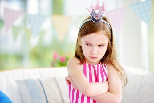 王冠を被った女の子