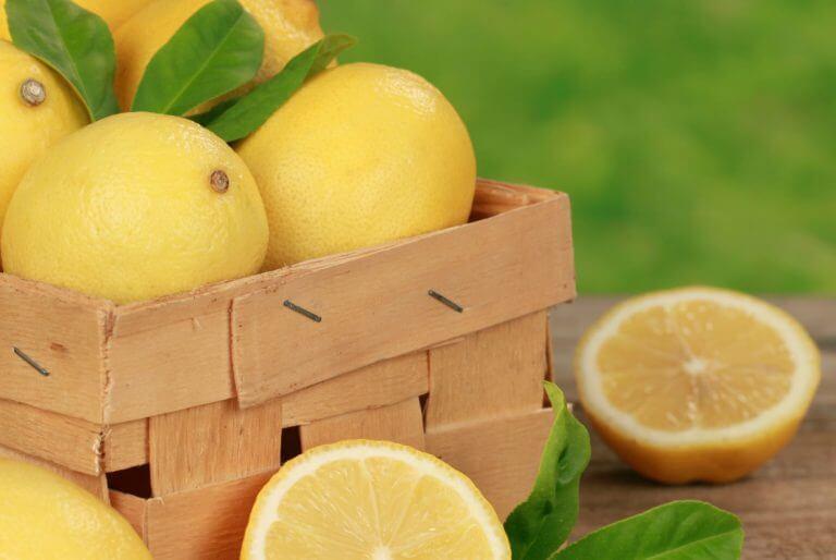 重曹とレモンジュース