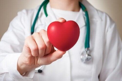 心臓発作 男女の違い