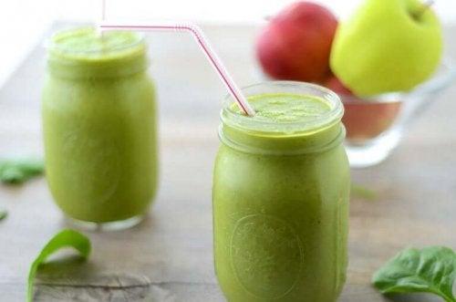 リンゴグリーンジュース