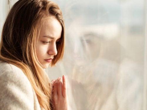 過去の傷と心の痛みを取り除く方法