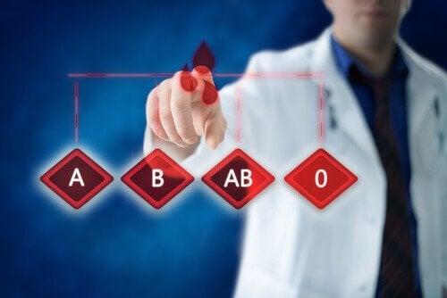 家族の血液型を知っておくべき5つの重要な理由