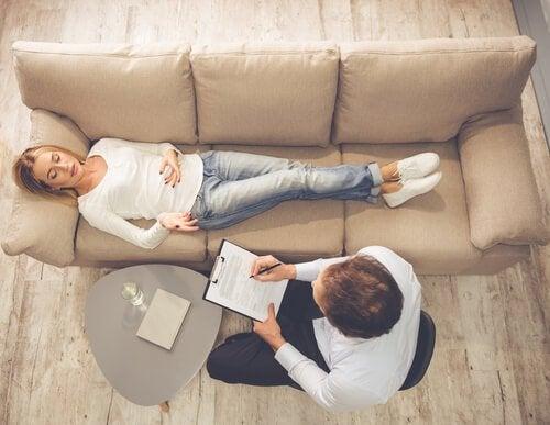 臨床心理士のカウンセリングを受けるべき7つの理由