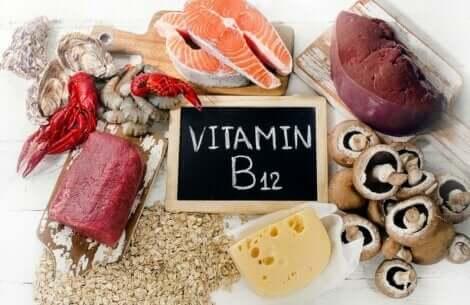 ビタミンB12を含む食品