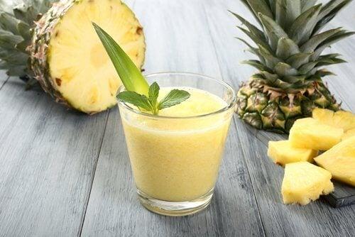 アボカドパイナップルジュース