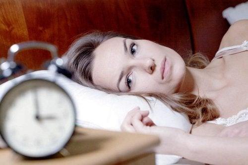 疲労感 の理由は睡眠不足