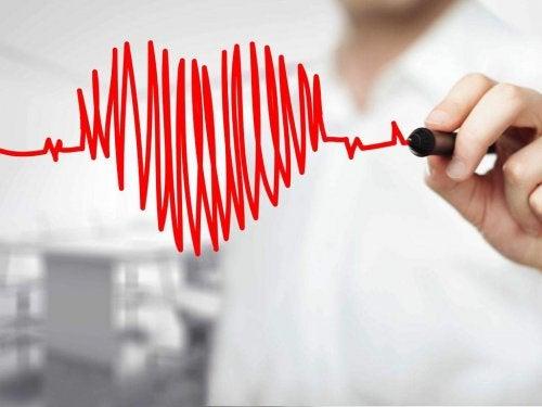 赤ペンで描いた心臓の形