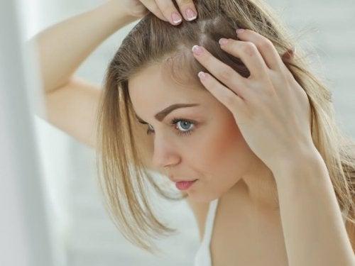 よくある抜け毛の原因10