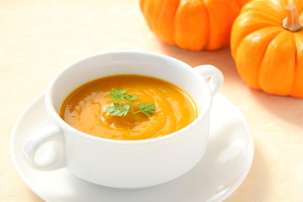 自宅で簡単!カボチャスープのレシピ