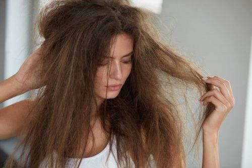 パサついた髪に水分補給する5つのナチュラルヘアパック