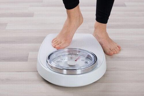体重計 健康的な食べ物