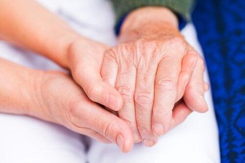 関節リウマチの症状を緩和して健康を取り戻す自然療法
