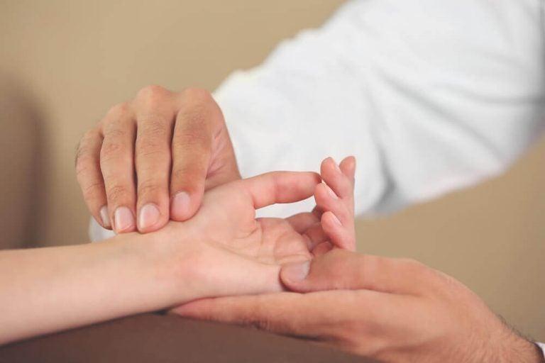 手の不快な症状を解消する6つのエクササイズ