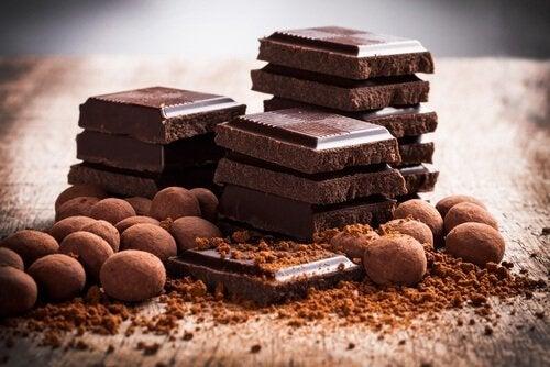 チョコレート 気持ちを落ち着かせる食べ物