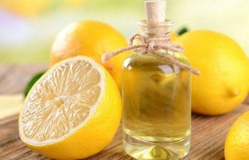 エッセンシャルレモンオイルを作る2通りの方法