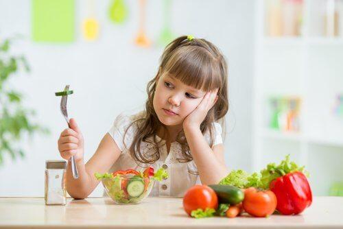 野菜と子供 食べ物の好き嫌い