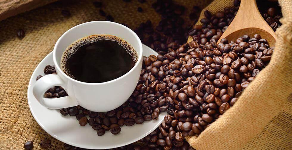 コーヒー豆とコーヒー