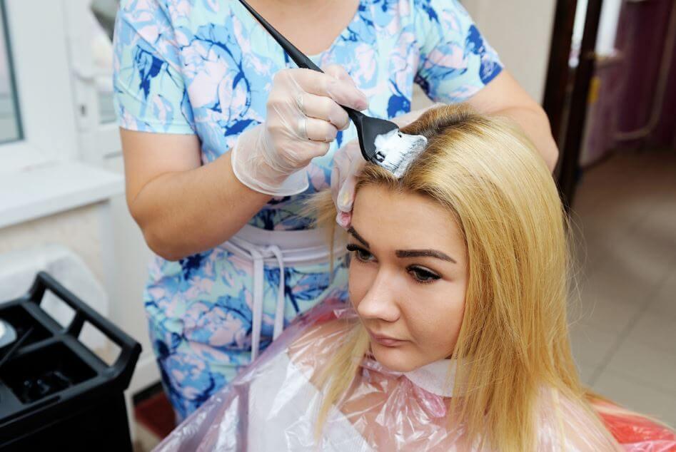 髪を傷めずにブリーチする方法