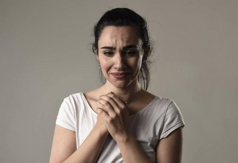 慢性的被害者意識:1日中愚痴をこぼす人がいるのはなぜ?
