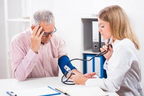 低血圧:健康的に低血圧を解消する方法