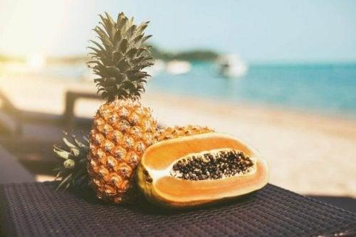 パイナップルとパパイヤでデトックスしよう!
