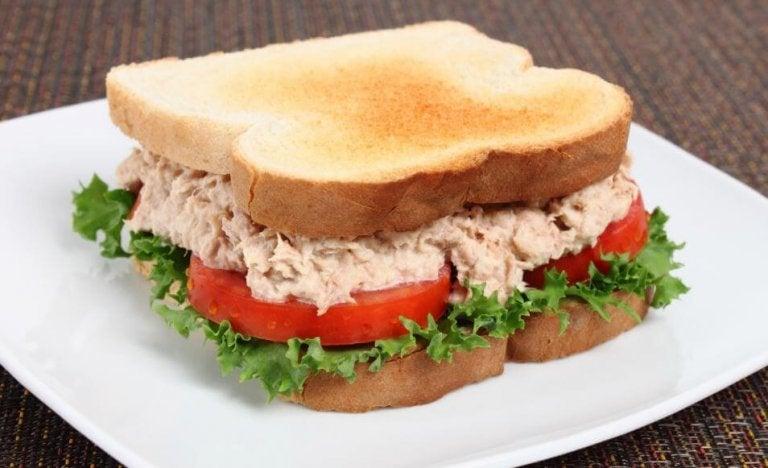 美味しいツナサンドイッチのレシピ